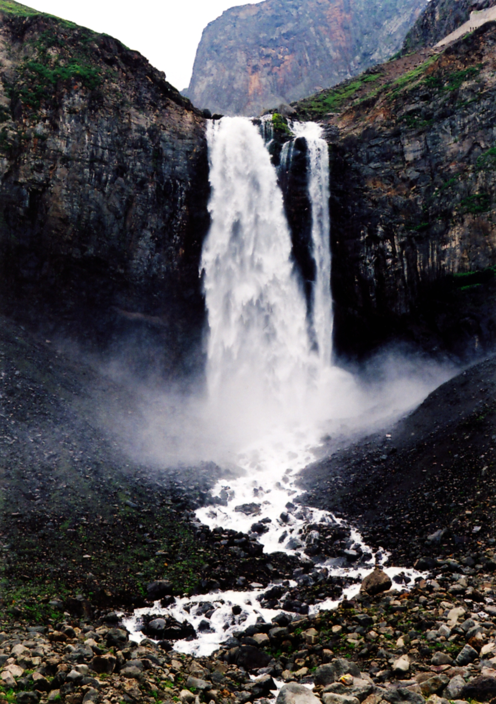 Водопад на горах Чанбайшань